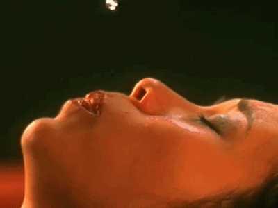 周星驰流鼻涕时的对白 周星驰哭的流鼻涕动态图片