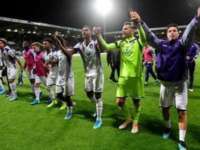 纳斯里位置 孔帕尼率队3-2险胜乙级队晋级